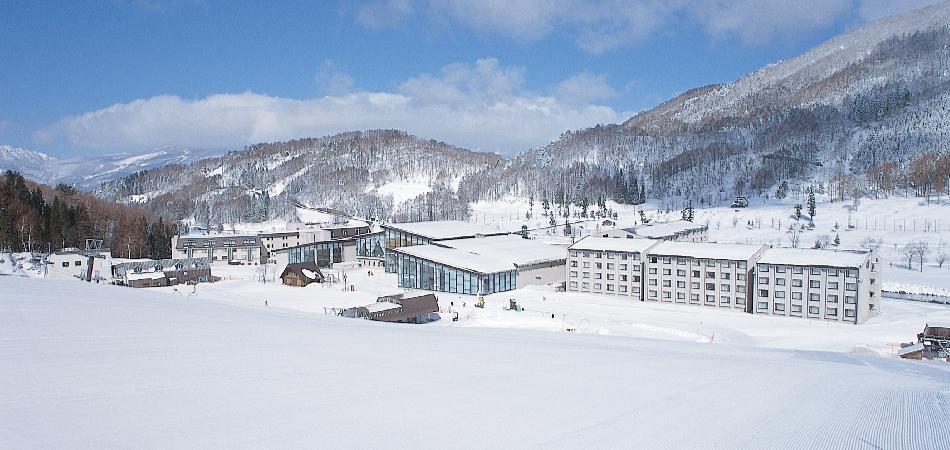 滑る・遊ぶ・泊まるがひとつになったALL IN ONE スノーリゾート|タングラムスキーサーカス