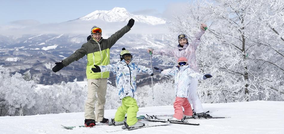 親子3世代、みんなが楽しいタングラム|タングラムスキーサーカス