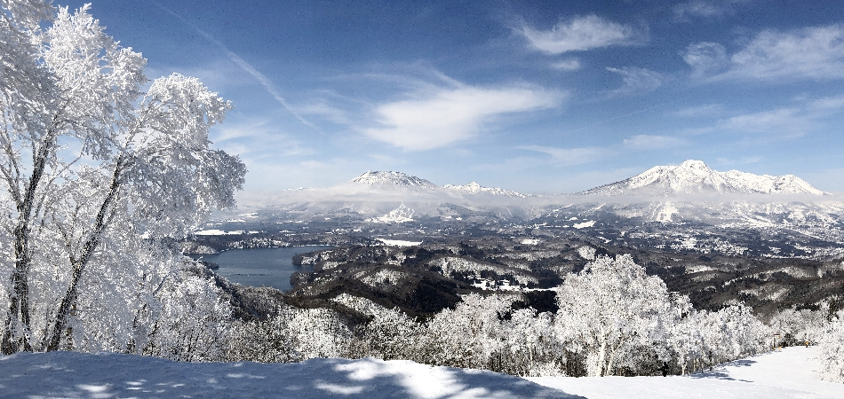 スキーをしない方も、雪山の絶景が楽しめる「野尻湖テラス」|タングラムスキーサーカス