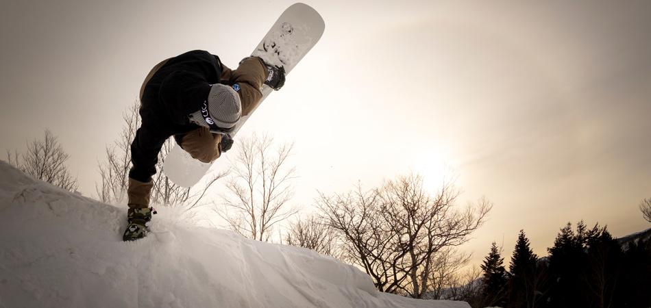 スノーボーダー、全コース滑走可能に!|安比高原スキー場