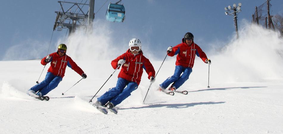 お子様のスキーデビューは、安比高原ハッピーキッズスクールにお任せください!|安比高原スキー場