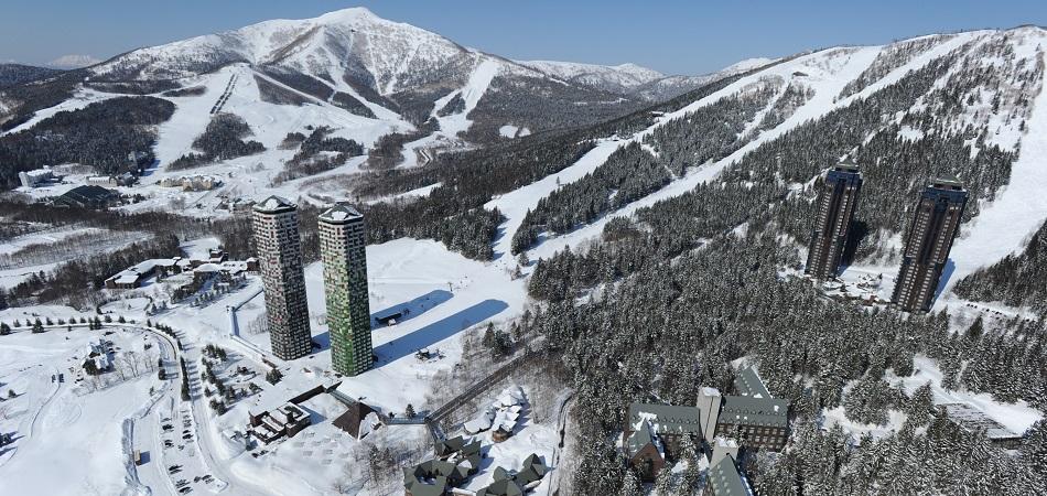 「リゾナーレトマム」「ザ・タワー」|星野リゾート トマム スキー場