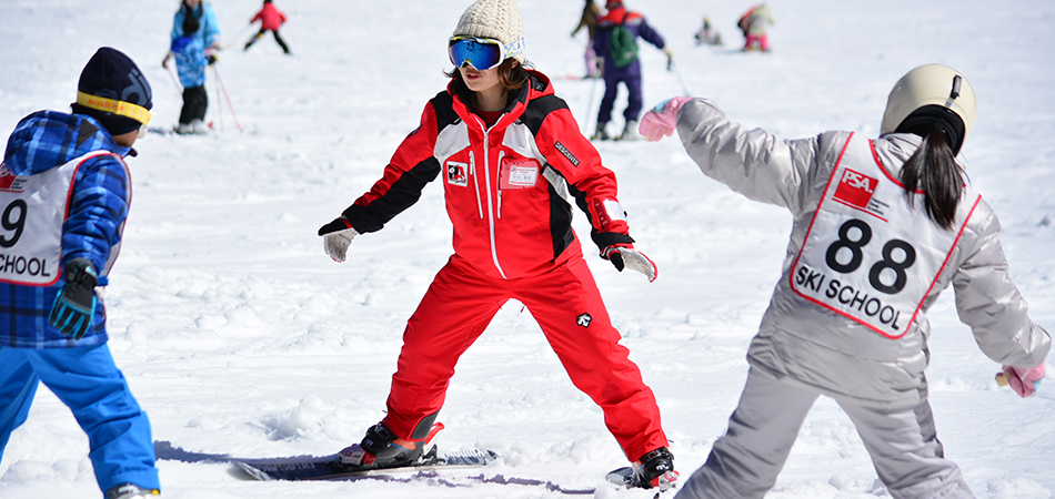 スキースノーボードスクールで楽しくゲレンデデビュー|富士見パノラマリゾート