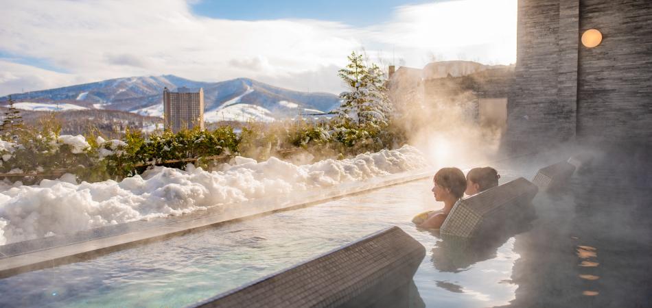 温泉に浸かってゆったり過ごす至福のひと時|ルスツリゾート