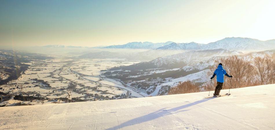 インターからわずか5分!東京から新幹線で最短90分!|石打丸山スキー場