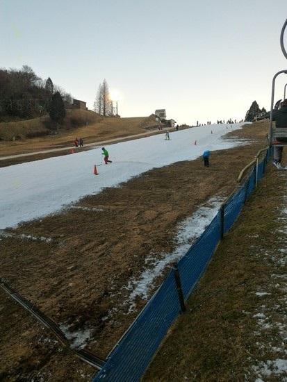 コースが狭い|六甲山スノーパークのクチコミ画像