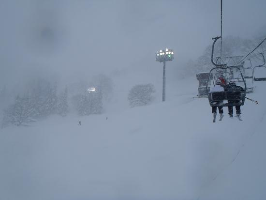 昼間なのにナイター|湯沢高原スキー場のクチコミ画像