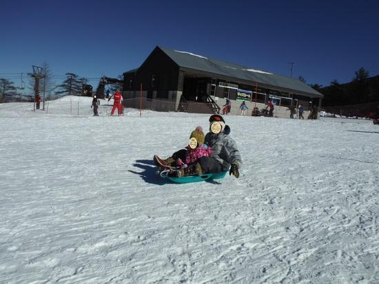 孫(幼稚園年少)との雪遊び