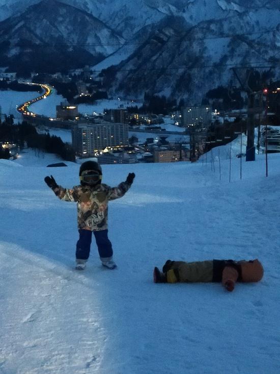 ナイターでの人文字|岩原スキー場のクチコミ画像