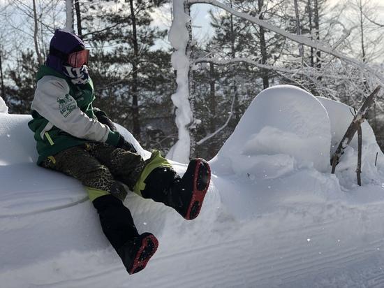 雪のベンチでひと休み|パルコールつま恋スキーリゾートのクチコミ画像