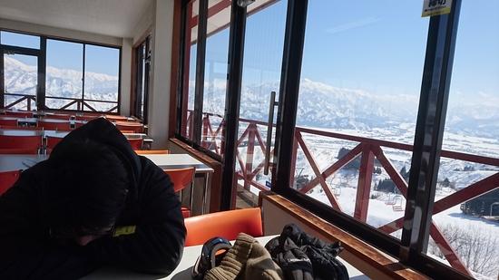 普通にレベル高い地元のスキーヤー・ボーダーが滑っていて、マナーある雰囲気が最高。 ムイカスノーリゾートのクチコミ画像