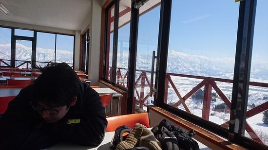 普通にレベル高い地元のスキーヤー・ボーダーが滑っていて、マナーある雰囲気が最高。|ムイカスノーリゾートのクチコミ画像2