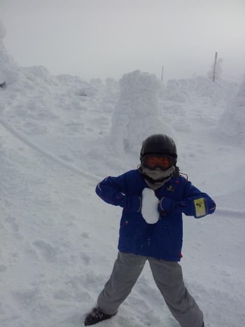 蔵王地蔵尊の樹氷の前で!|蔵王温泉スキー場のクチコミ画像