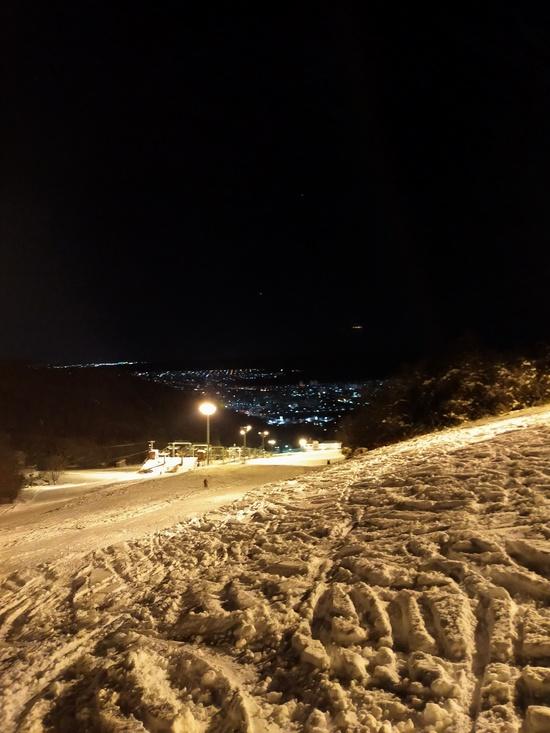 夜景を眺めながら贅沢ナイター 札幌藻岩山スキー場のクチコミ画像2