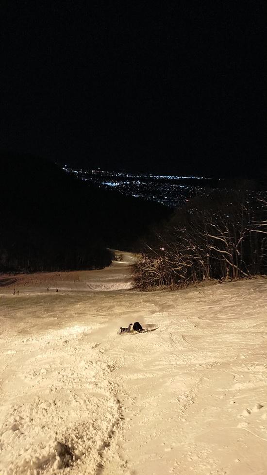 夜景を眺めながら贅沢ナイター 札幌藻岩山スキー場のクチコミ画像3