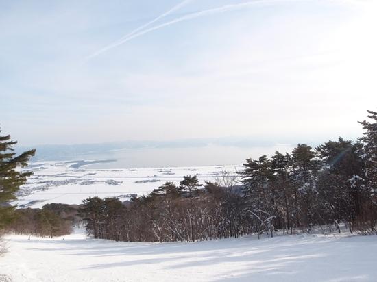 快晴、ゲレンデ雪質、リフト待ち、スカスカで快適|猪苗代スキー場[中央×ミネロ]のクチコミ画像1
