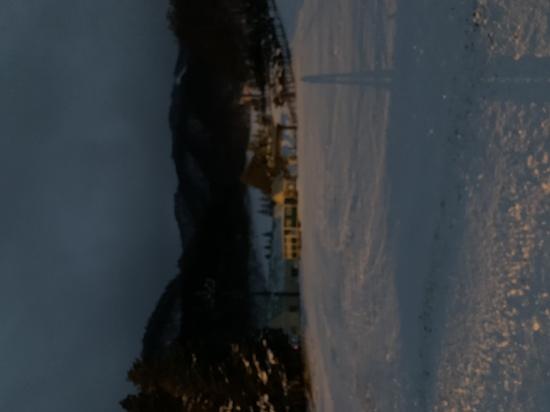 雪不足なのに有る様に見えます|ホワイトワールド尾瀬岩鞍のクチコミ画像