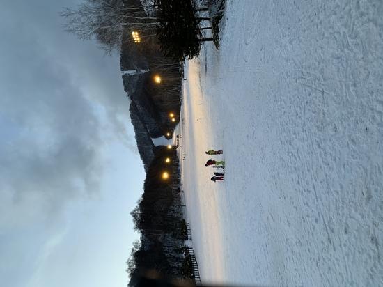 雪不足なのに有る様に見えます ホワイトワールド尾瀬岩鞍のクチコミ画像3