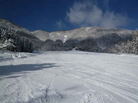 青木湖に向かって滑る|白馬さのさかスキー場のクチコミ画像2