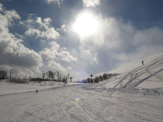 太陽と雪と雲と!|白馬岩岳スノーフィールドのクチコミ画像
