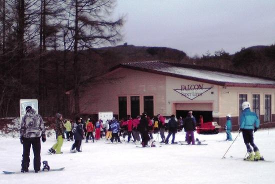 積雪不足で、CリフトとBリフトだけ。|箕輪スキー場のクチコミ画像2