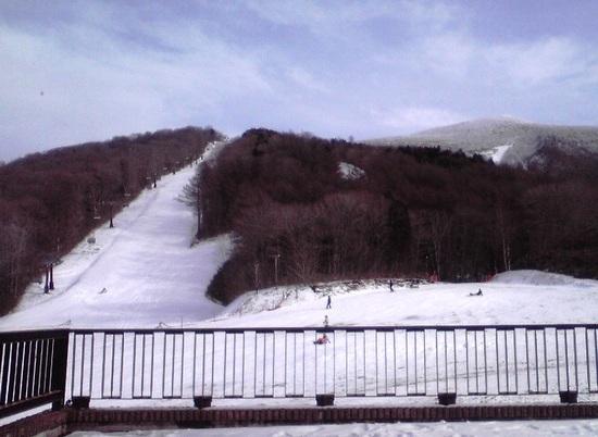 積雪不足で、CリフトとBリフトだけ。|箕輪スキー場のクチコミ画像3