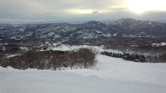 まるで春スキー&スノーボードです!