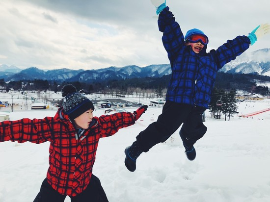雪山でジャンプ!!|アップかんなべのクチコミ画像
