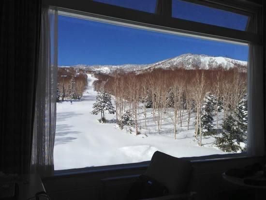 朝 ホテルの部屋からの眺め|奥志賀高原スキー場のクチコミ画像