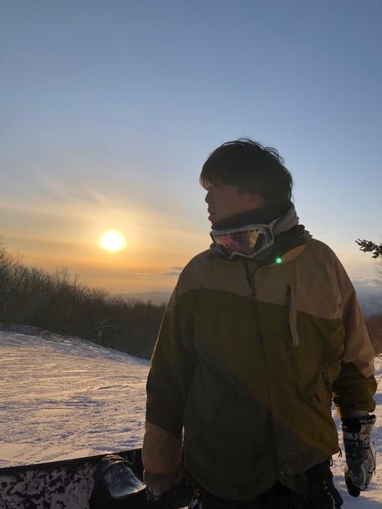 夕日と俺と仲間たち|蔵王温泉スキー場のクチコミ画像
