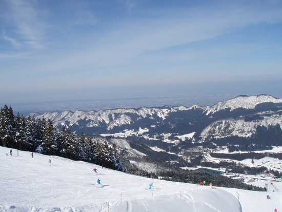 極楽坂スキー場山頂から望む富山平野|立山山麓スキー場のクチコミ画像