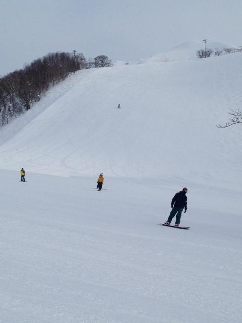 朝イチのピステンバーン!|ニセコアンヌプリ国際スキー場のクチコミ画像