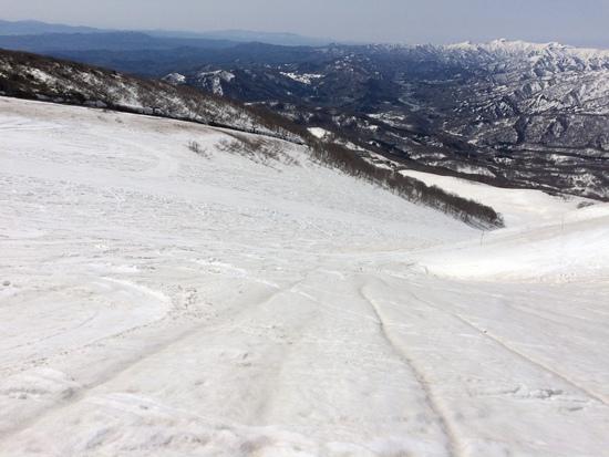 向こうの山まで滑っていけそう!|月山スキー場のクチコミ画像