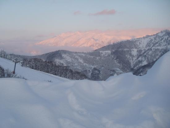 夕日に映える山々|岩原スキー場のクチコミ画像