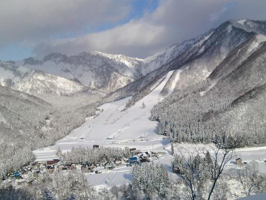 岩原スキー場を望む