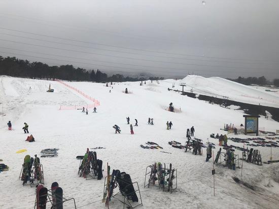 悪天候も標高が高い場所は雪!まだまだモリモリ積雪!|高鷲スノーパークのクチコミ画像