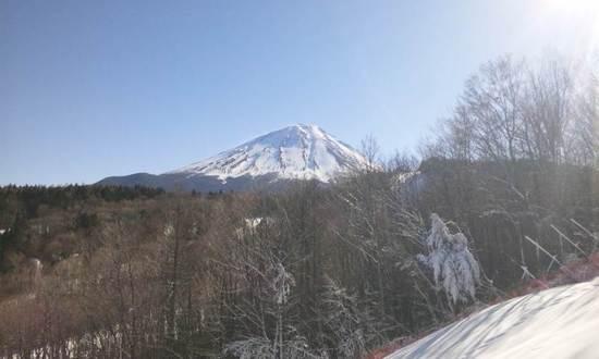 ゲレンデから見る富士山は絶景です|ふじてんスノーリゾートのクチコミ画像