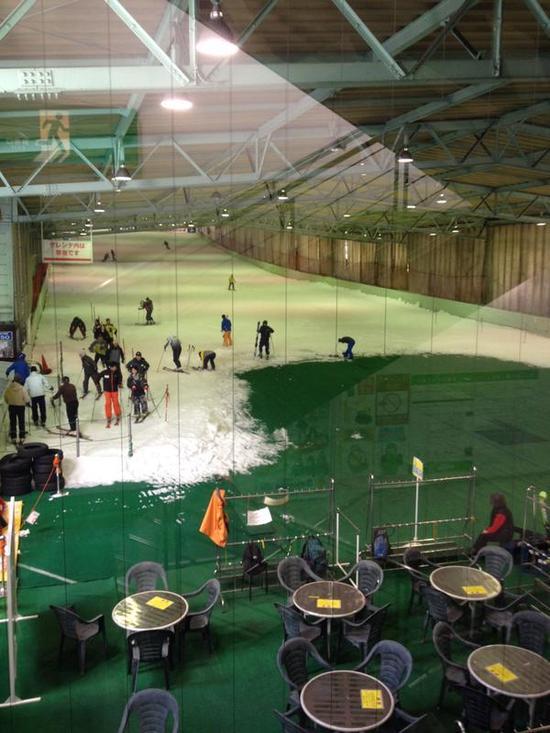 人も雪も少なめでした|狭山スキー場のクチコミ画像