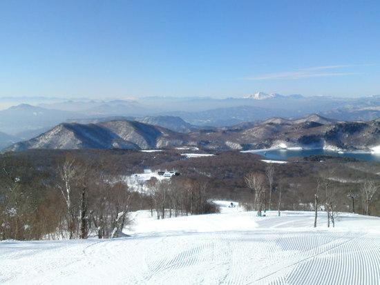 晴天の中、たんばら湖をのぞむ|たんばらスキーパークのクチコミ画像