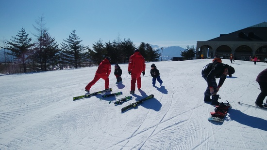 チビッ子達をスキースクールへ|パルコールつま恋スキーリゾートのクチコミ画像