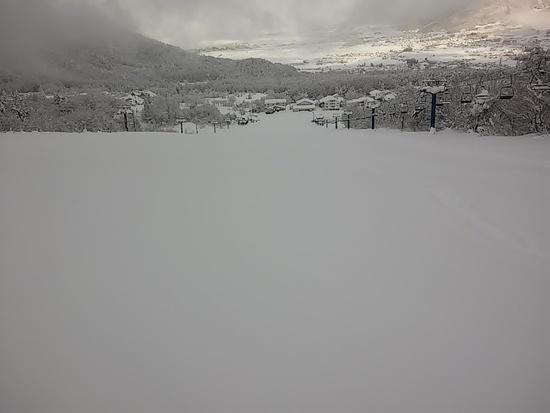 一面のノートラックバーンだった牧の入スノーパーク 北信州 木島平スキー場のクチコミ画像1