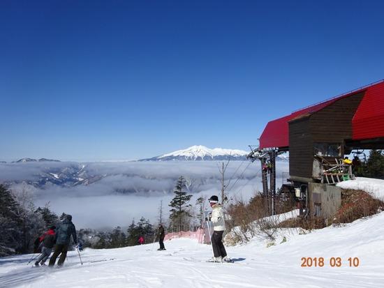 山頂2130mからの景色とコース|信州松本 野麦峠スキー場のクチコミ画像