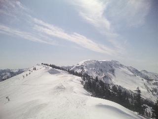 スキー場クローズ情報が5月6日と誤って記載されてます。|かぐらスキー場のクチコミ画像