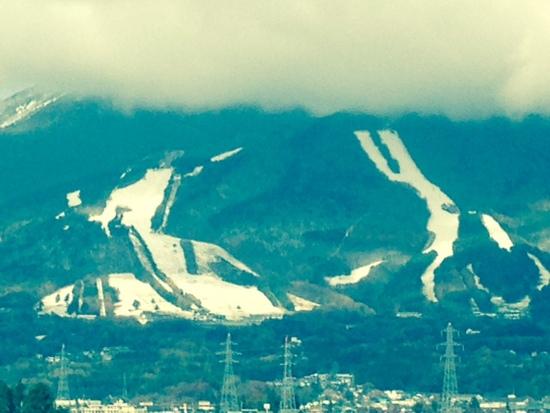 ようやく積雪が・・・|猪苗代スキー場[中央×ミネロ]のクチコミ画像