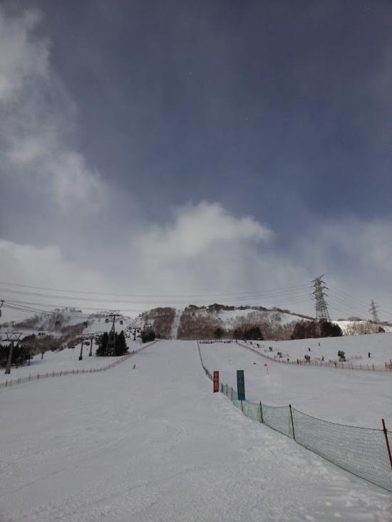 ガッツリ膝上~雪が降り続いてました^^;|苗場スキー場のクチコミ画像