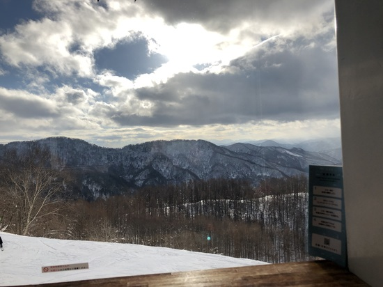 山頂に素晴らしいカフェがあるスキー場|水上宝台樹スキー場のクチコミ画像2