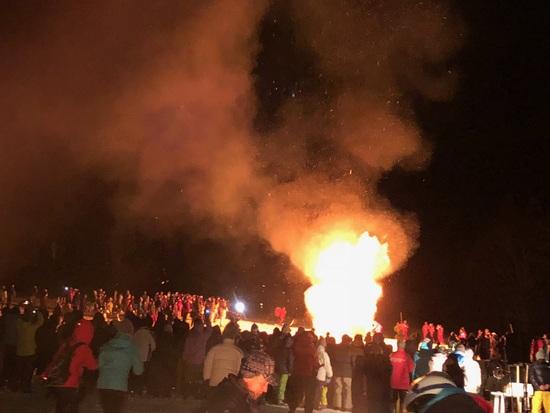 スキー場の夜ー戸隠どんど焼き祭り|戸隠スキー場のクチコミ画像