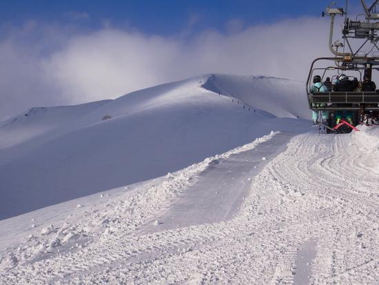頂上からの見えたその先に人影!|白馬八方尾根スキー場のクチコミ画像